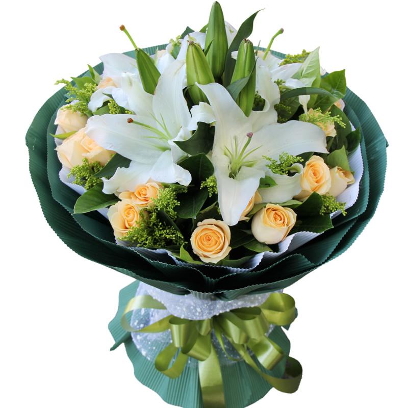 你的笑容:19朵香槟玫瑰,2枝白色多头香水百合,黄英、绿叶搭配。_鲜花-中国鲜花快递网